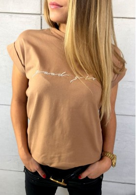 T-shirt Good Girl Camel