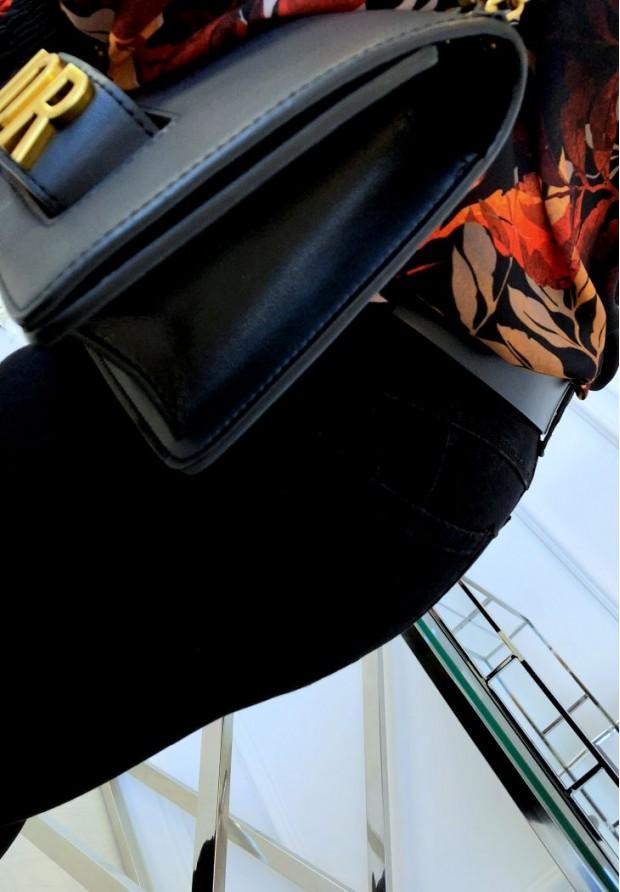 3332 Spodnie Ivet Black